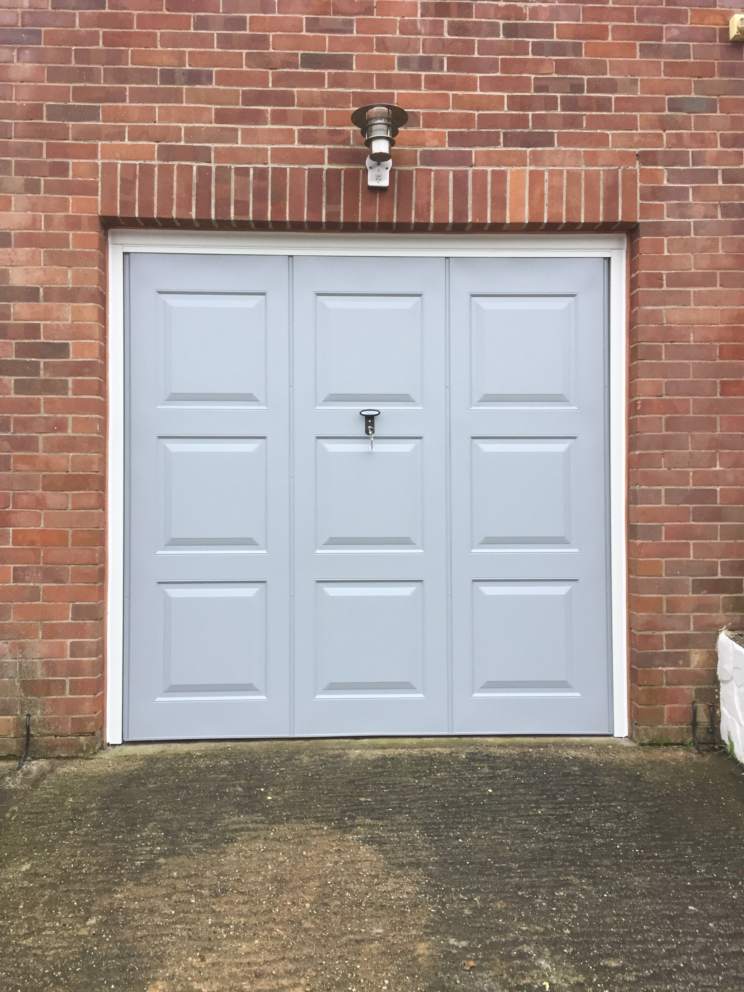 Garage doors devon garage doors exmouth garage doors for Garage doors uk